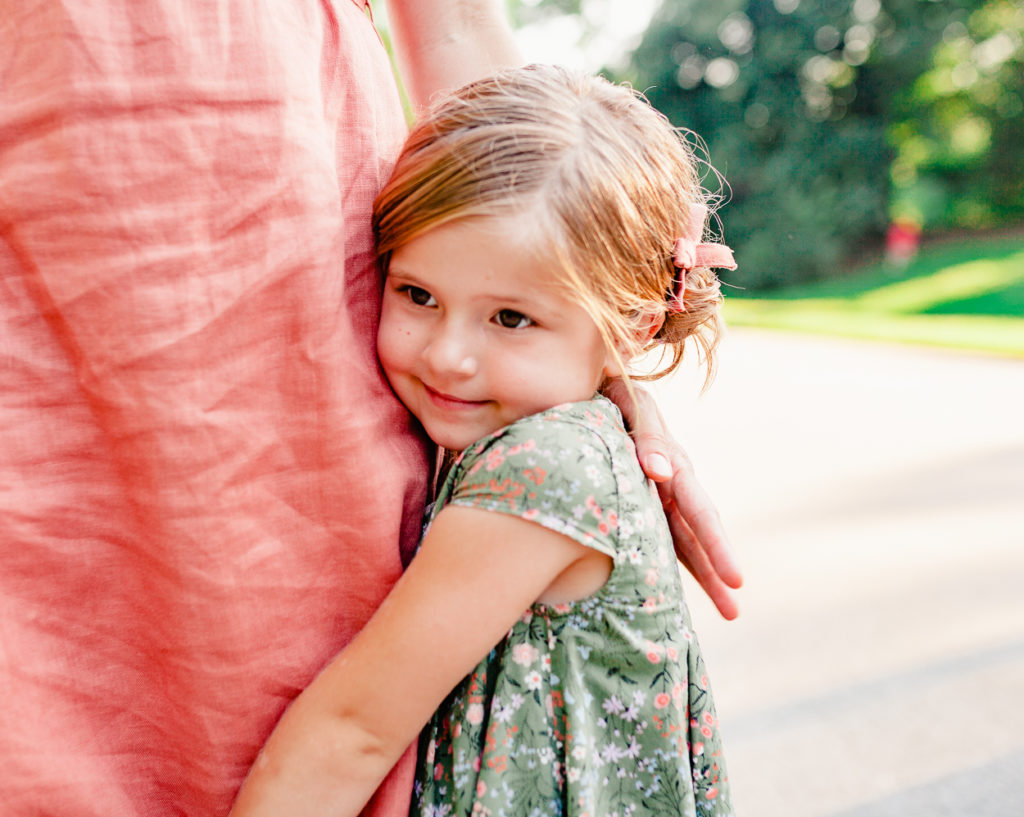 little girl holding onto her mommy - brooklyn family photography prospect park charis elisabeth 1538